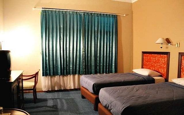Ayong Linggarjati Hotel Kuningan 2