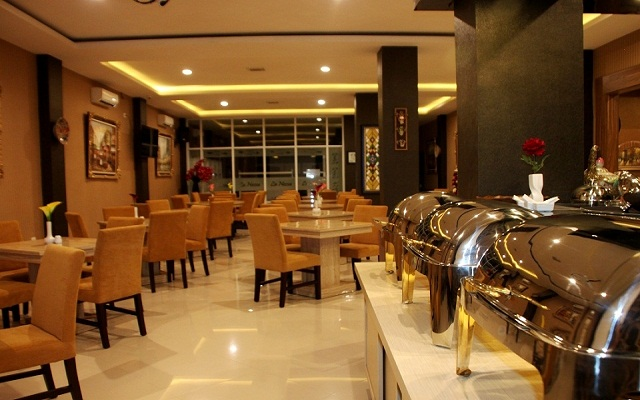 Royal Mega Boutique Hotel Cirebon 5