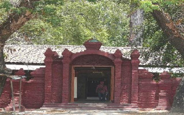 Makam Keramat Buyut Tambi