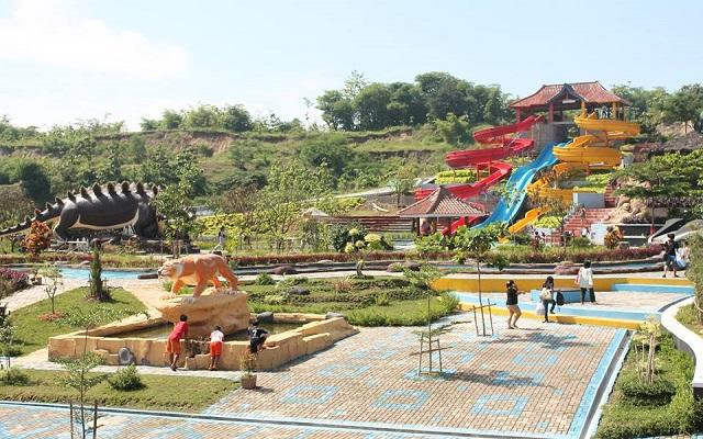 Kolam Renang Jembar Water Park