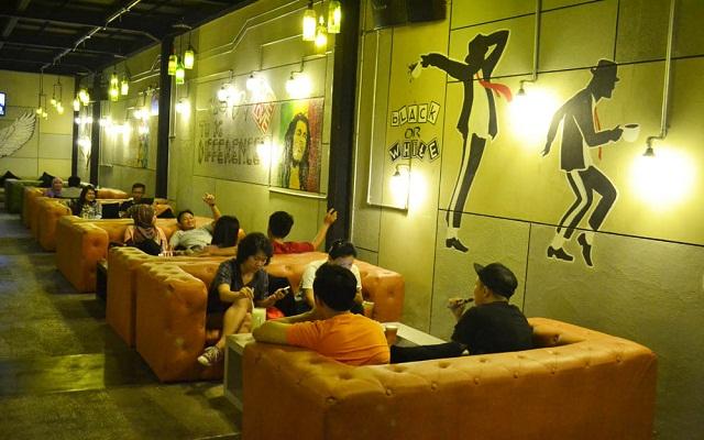 Amare Cafe Cirebon 1