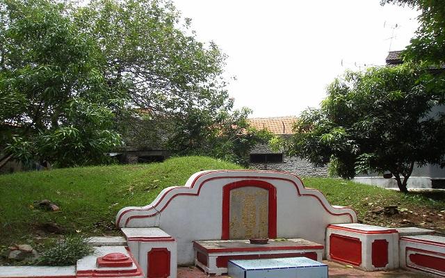 Makam Wiracula 2